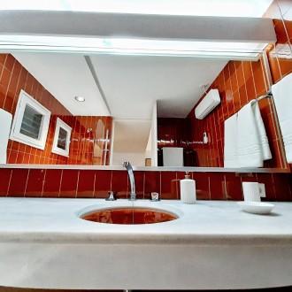Baño de la habitación de invitados