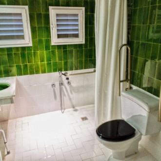 Baño adaptado a discapacitados